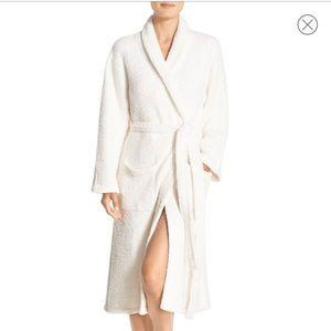 Barefoot Dreams Cozy Chic White Robe